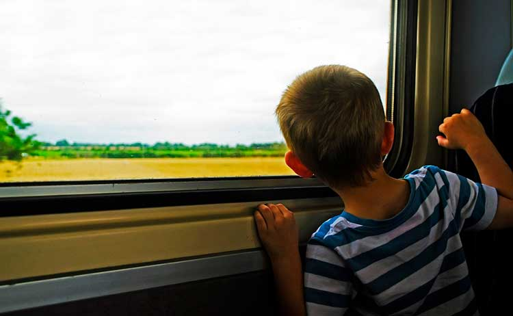 Viagem de ônibus com bebê e criança