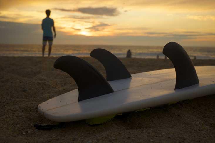 viajar-com-prancha-de-surf Dicas para Viajar com Bagagens Especiais