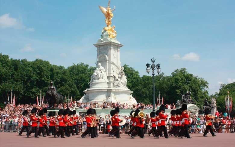 Palácio-de-Buckingham 7 pontos turísticos imperdíveis em Londres