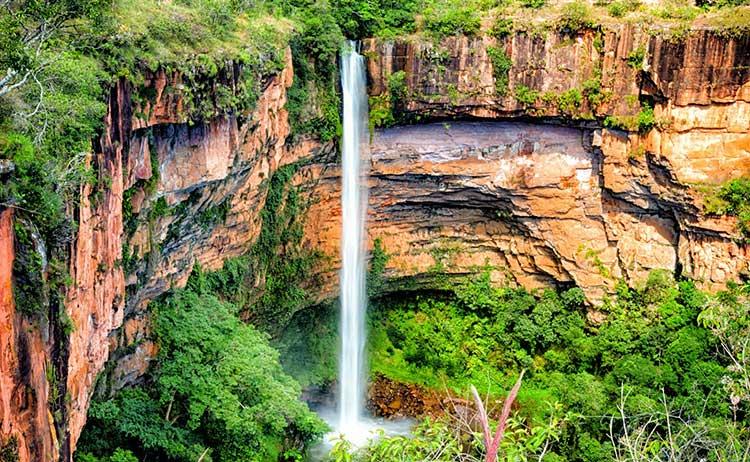 Cachoeiras brasileiras Véu da Noiva
