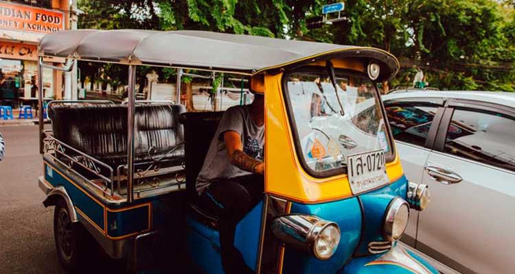 transporte em Bangkok Tuk Tuk