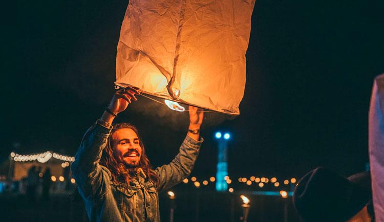 lanternas3 Viaje para Tailândia: Conheça o Festival das Lanternas