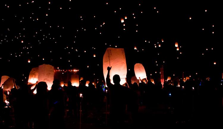 lanternas4 Viaje para Tailândia: Conheça o Festival das Lanternas