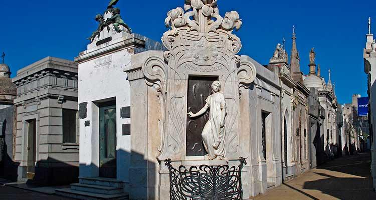 recoleta-1 Cemitério da Recoleta: lendas que você precisa conhecer