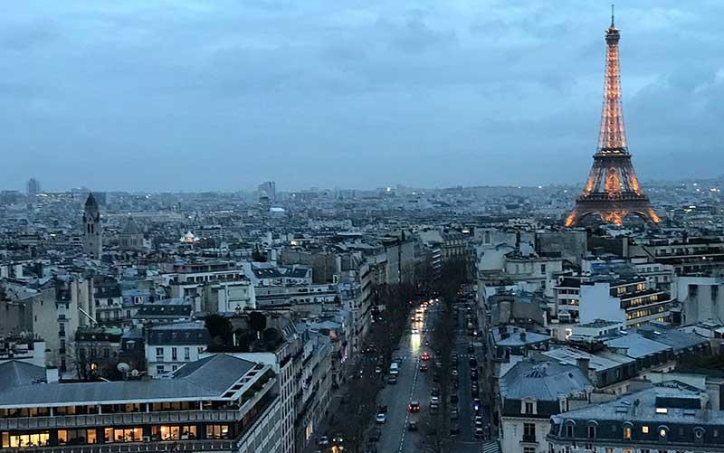 Paris_torre 5 Documentos Necessários para Viagem a Europa