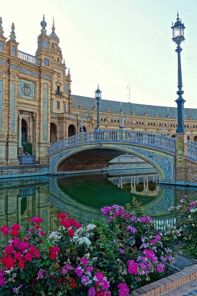 Palacio-das-flores-em-sevilha-683x1024 6 incríveis pontos turísticos da Espanha