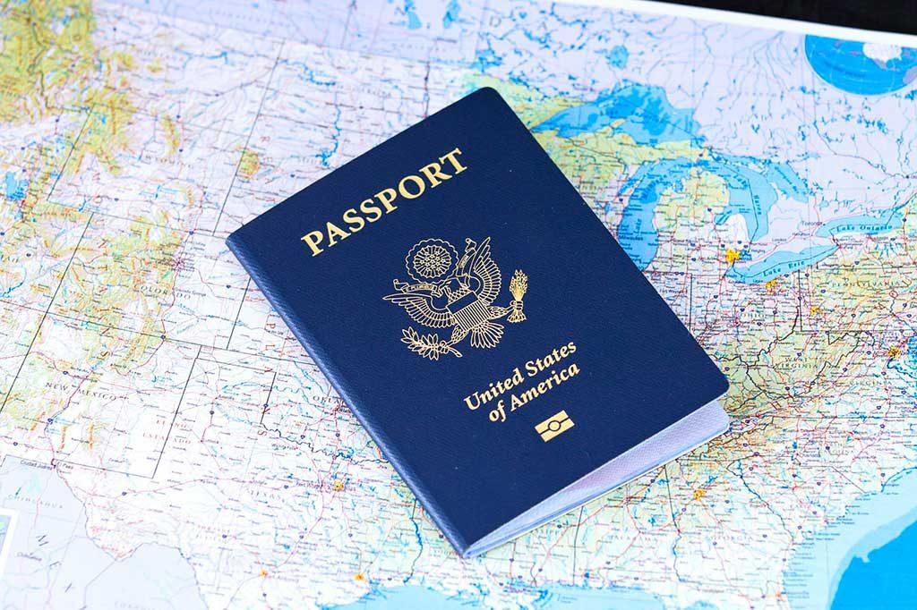Passaporte-Brasil-1024x682 Viajando para Orlando: dicas essenciais para aproveitar a viagem