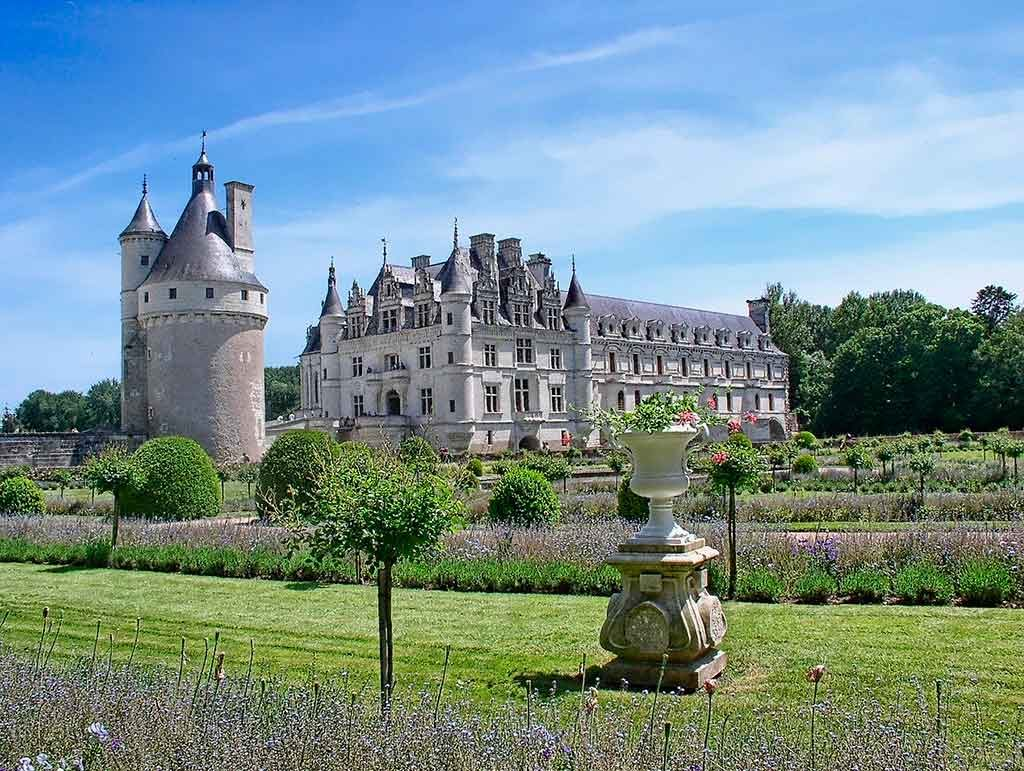 Vale-do-Loire-Franca-1024x771 Destinos românticos na Europa: para curtir ainda mais o seu amor