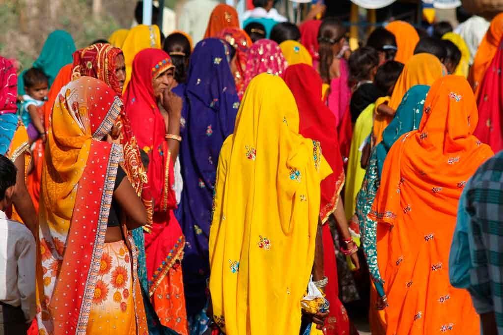 Vestimenta-indiana-1024x682 13 curiosidades sobre a Índia que você não sabe