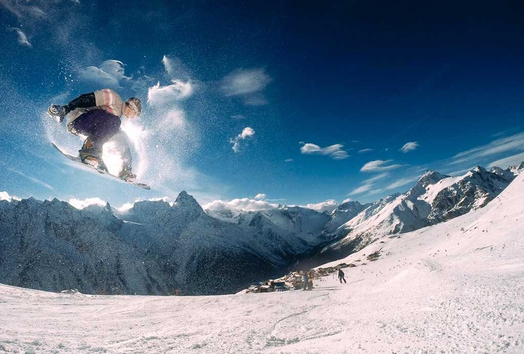 snowboarding-1024x692 Saiba quando é a temporada de neve na América do Sul!