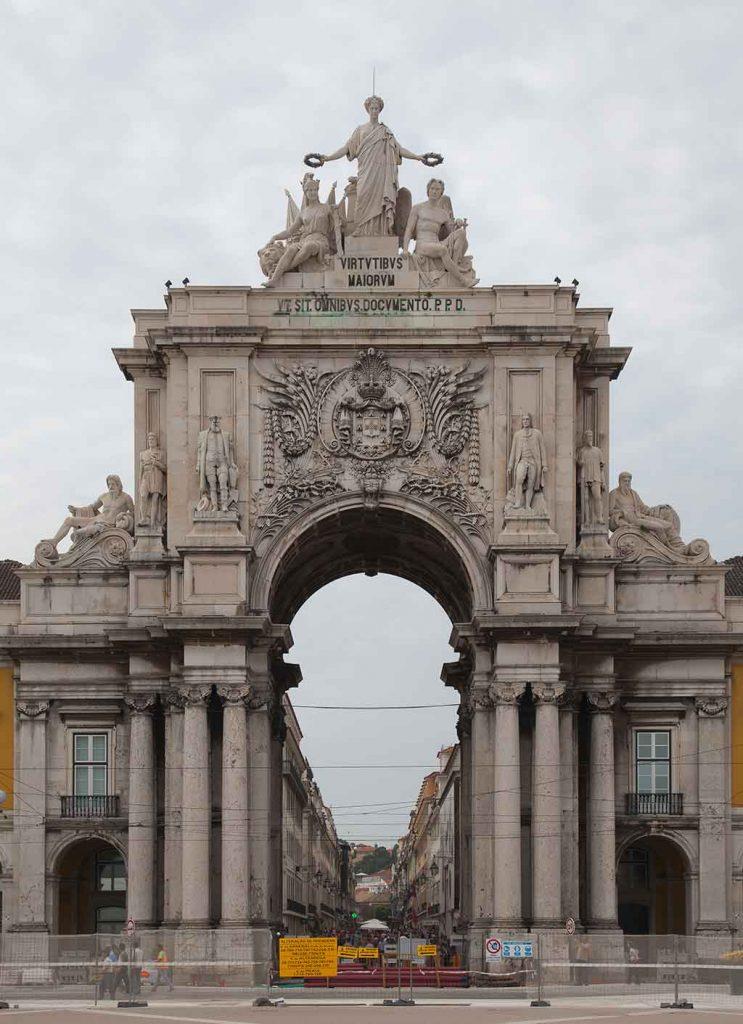 Arco-Triunfal-da-Rua-Augusta-743x1024 Turismo em Lisboa: dicas, passeios e atrações turísticas