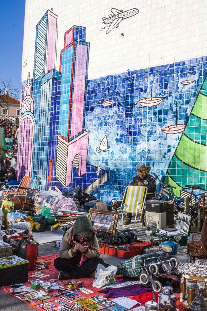 Feira-da-Ladra-em-Alfama-683x1024 Turismo em Lisboa: dicas, passeios e atrações turísticas
