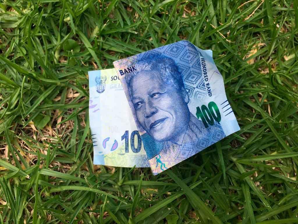 Moeda-Africa-do-Sul-1024x768 O que fazer na África do Sul: cidades, passeios e utilidades