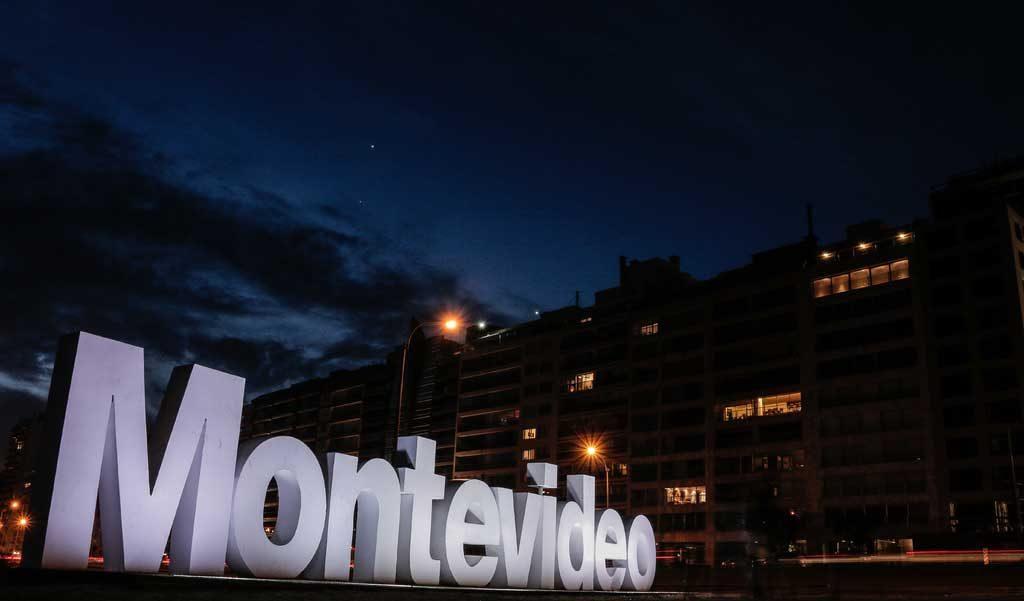 Montevideo-centro-1024x601 Pontos turísticos do Uruguai: dicas, mapa e cidades turísticas