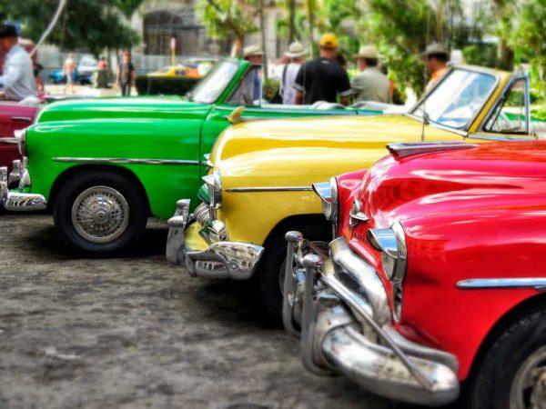 Carros em Cuba