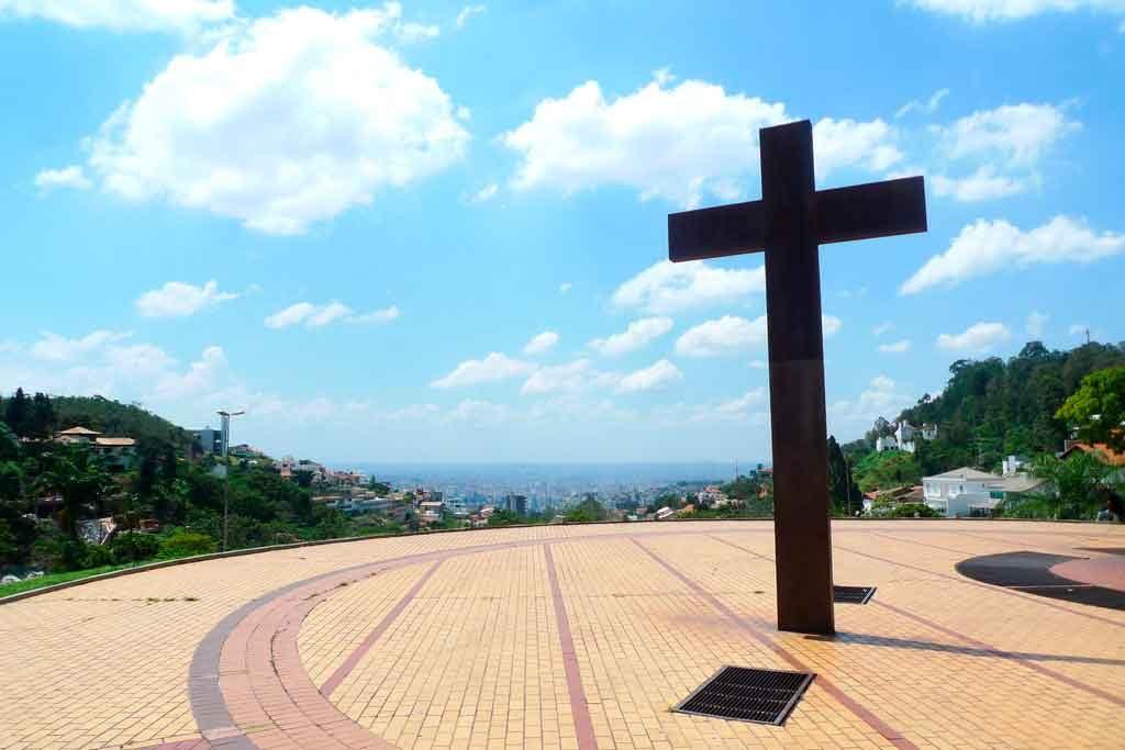 Praca-do-papa-1024x683 Passagens aéreas saindo de Belo Horizonte