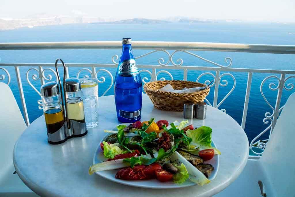 Refeicoes-na-Grecia-1024x683 Roteiro de viagem para Grécia
